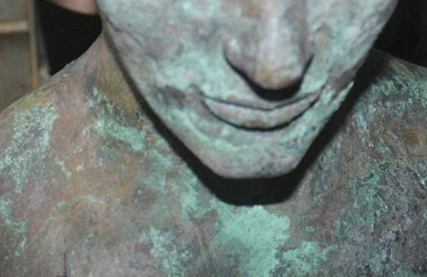 Barniz-matérico-efecto-bronce-antiguo